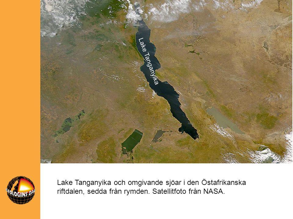 Lake Tanganyika Lake Tanganyika och omgivande sjöar i den Östafrikanska riftdalen, sedda från rymden.