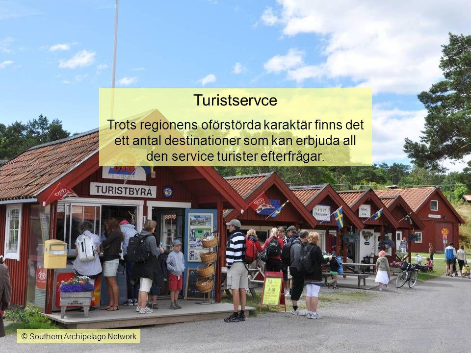 Turistservce Trots regionens oförstörda karaktär finns det ett antal destinationer som kan erbjuda all den service turister efterfrågar.
