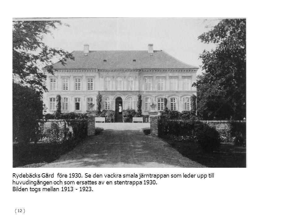huvudingången och som ersattes av en stentrappa 1930.