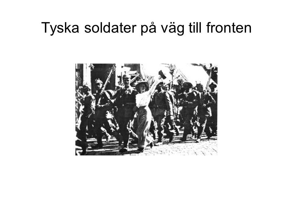 Tyska soldater på väg till fronten