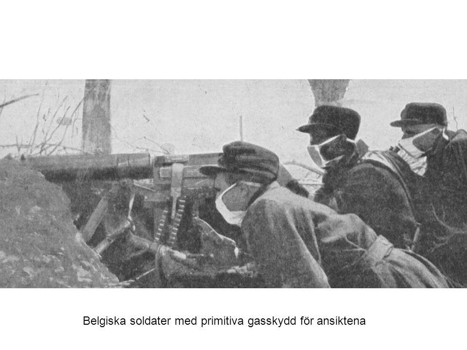 Belgiska soldater med primitiva gasskydd för ansiktena