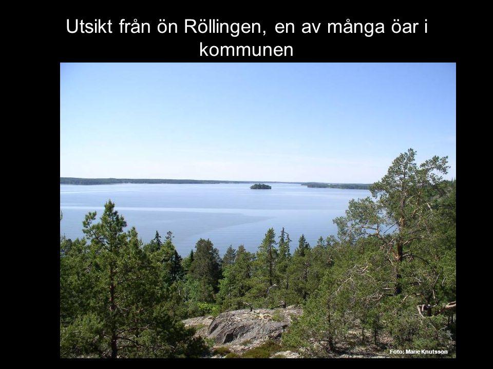 Utsikt från ön Röllingen, en av många öar i kommunen