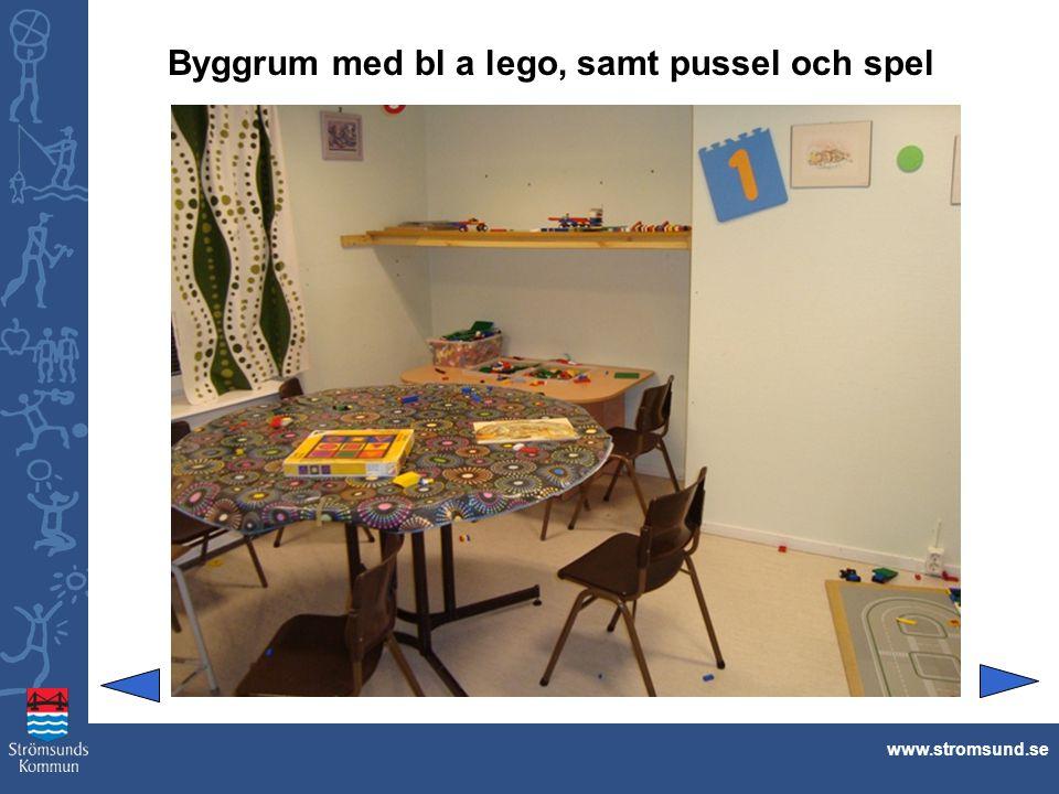 Byggrum med bl a lego, samt pussel och spel