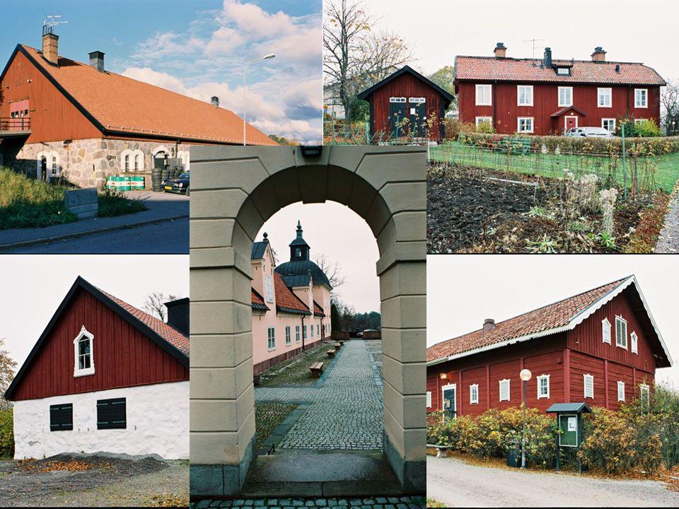 Bild 22. Till den äldsta slottsanläggningen hör även fyra ekonomibyggnader med välbevarade exteriörer och de utgör en viktig del i upplevelsen och förståelsen av Hässelby slott som lantegendom. Hela slottsområdet med parken, slottsbyggnaderna och ekonomibyggnaderna utgör en anläggning med stort upplevelsevärde.