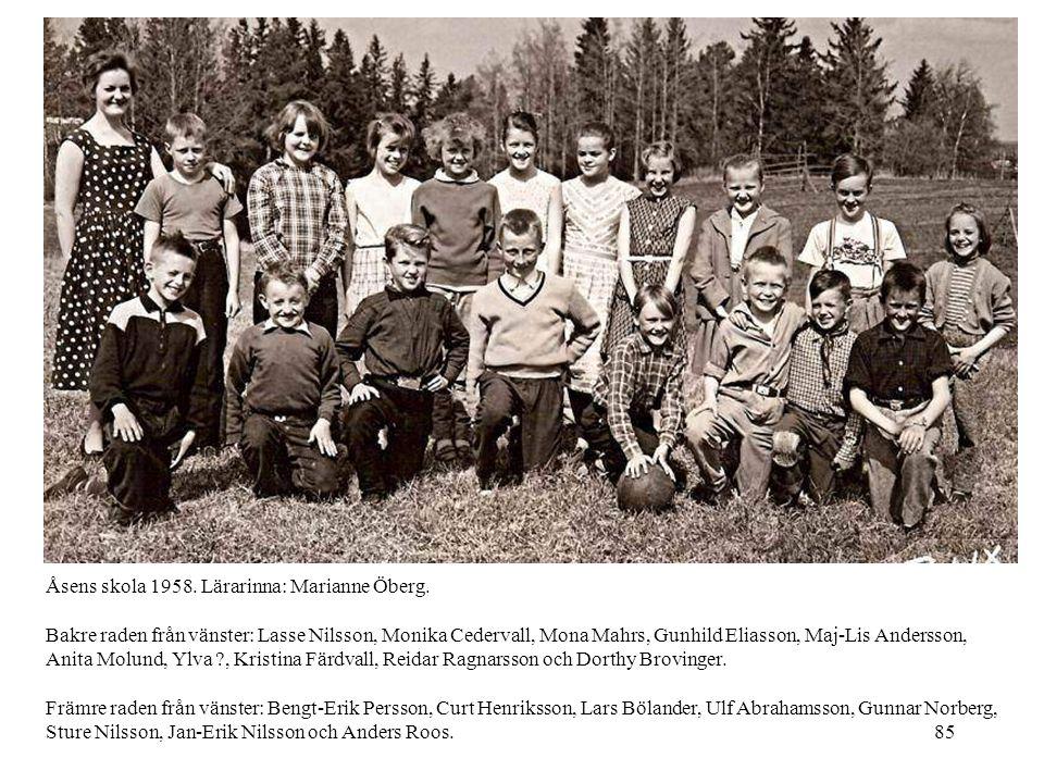 Åsens skola 1958. Lärarinna: Marianne Öberg.