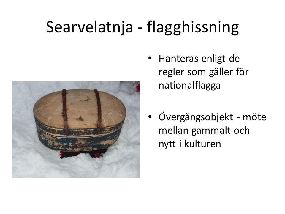 Searvelatnja - flagghissning