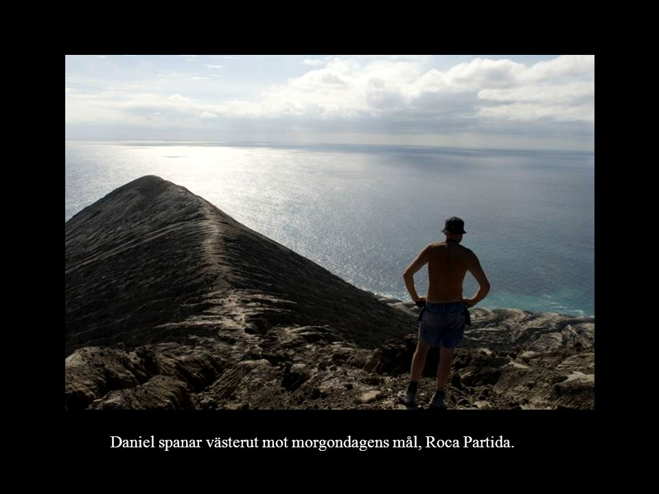 Daniel spanar västerut mot morgondagens mål, Roca Partida.