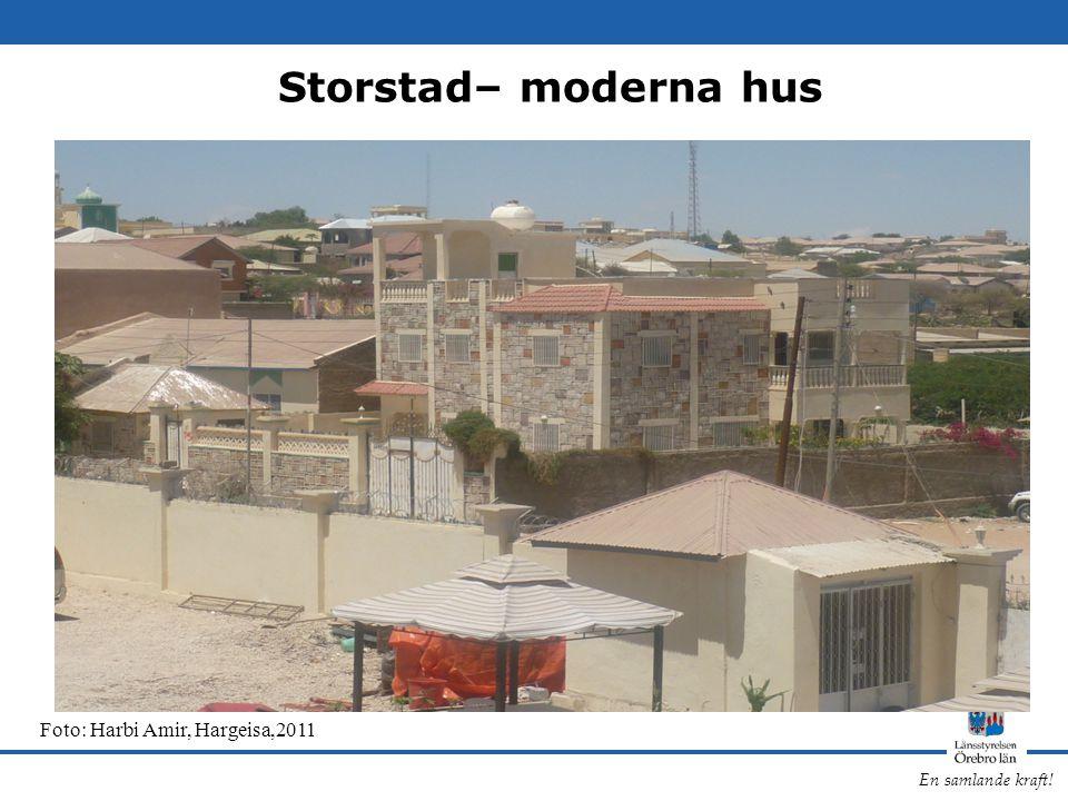 Storstad– moderna hus Foto: Harbi Amir, Hargeisa,2011