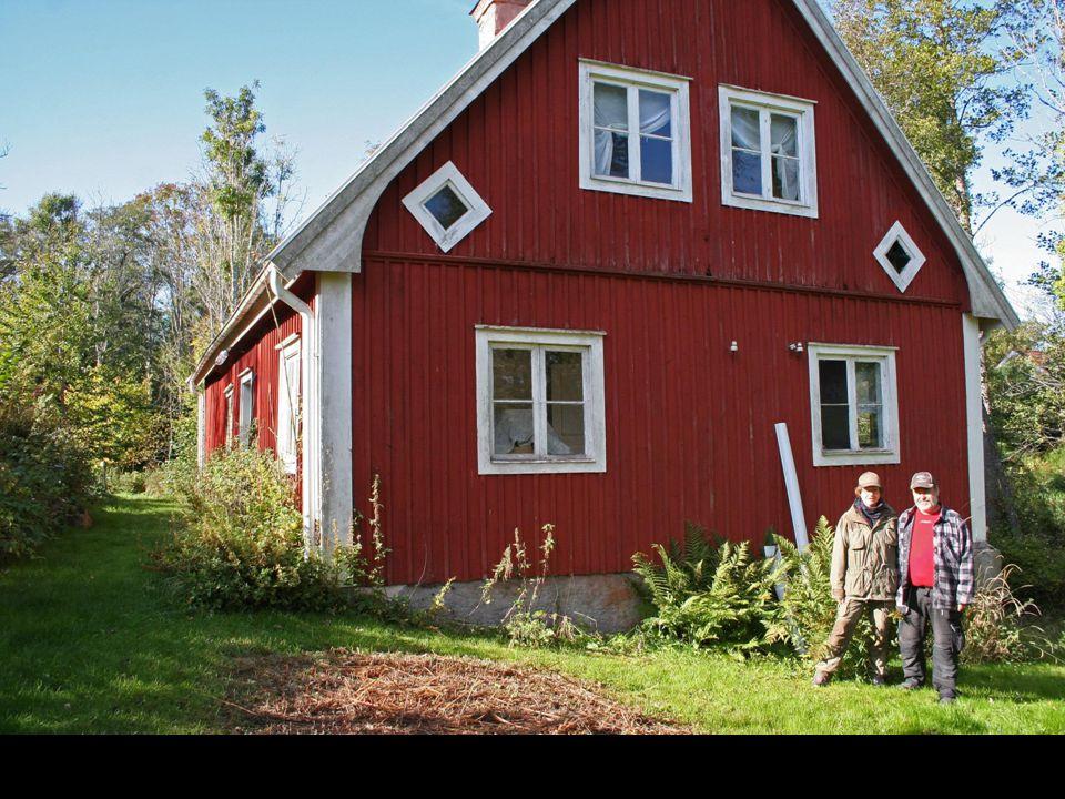 Och i Fliseryd måste du nog ha en exakt vägbeskrivning för att hitta till det lilla färgeriet med tillhörande bostadsdel, från 1860-talet.