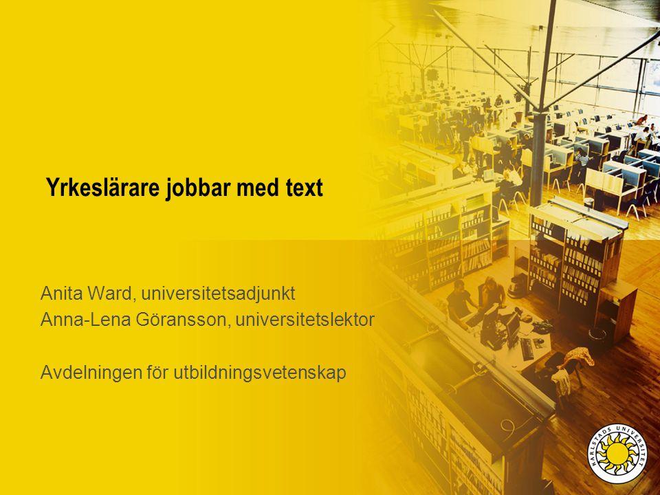 Yrkeslärare jobbar med text