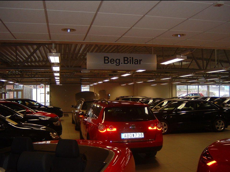 Beg. hallen för liten, max ca 60 bilar inomhus, ca 90 Bil utomhus!