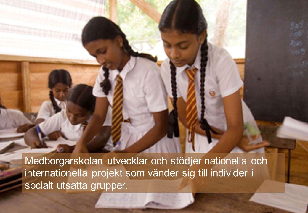 Medborgarskolan utvecklar och stödjer nationella och internationella projekt som vänder sig till individer i socialt utsatta grupper.