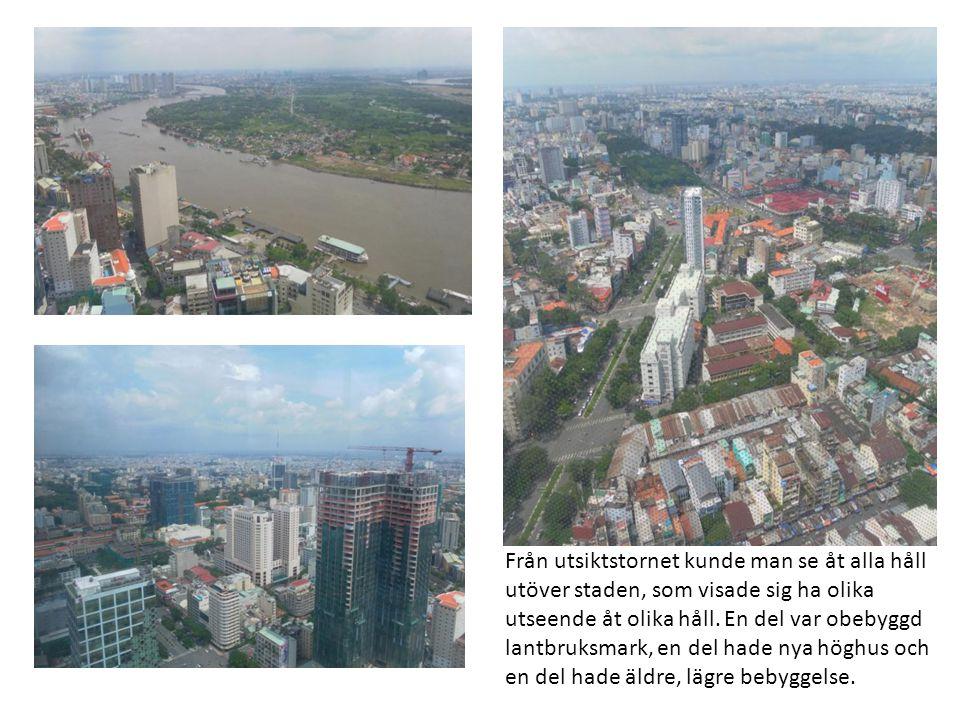 Från utsiktstornet kunde man se åt alla håll utöver staden, som visade sig ha olika utseende åt olika håll.