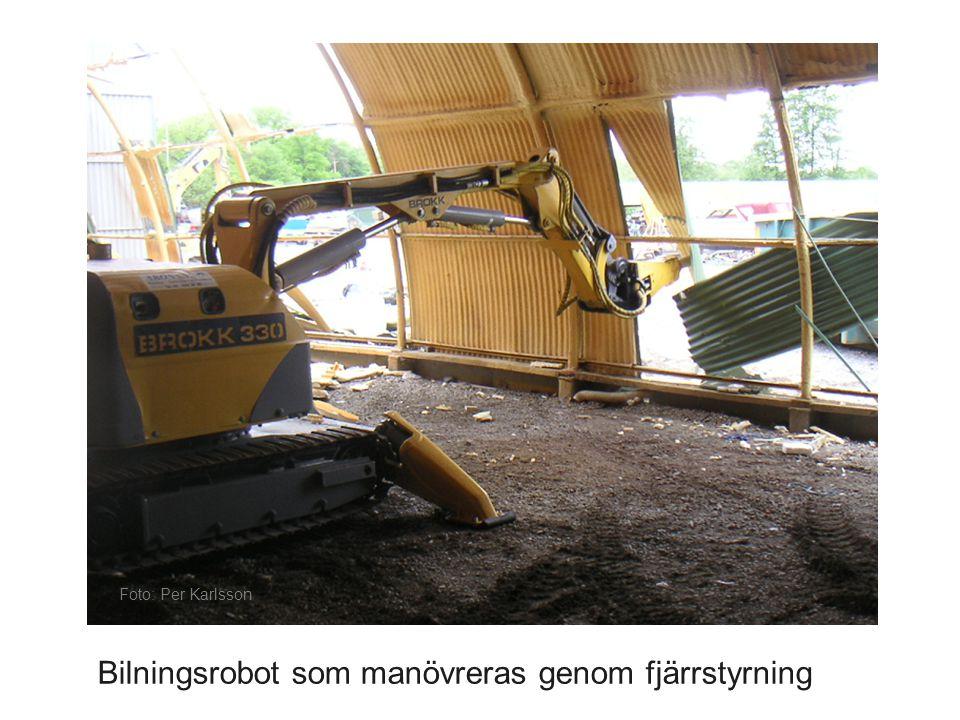 Bilningsrobot som manövreras genom fjärrstyrning
