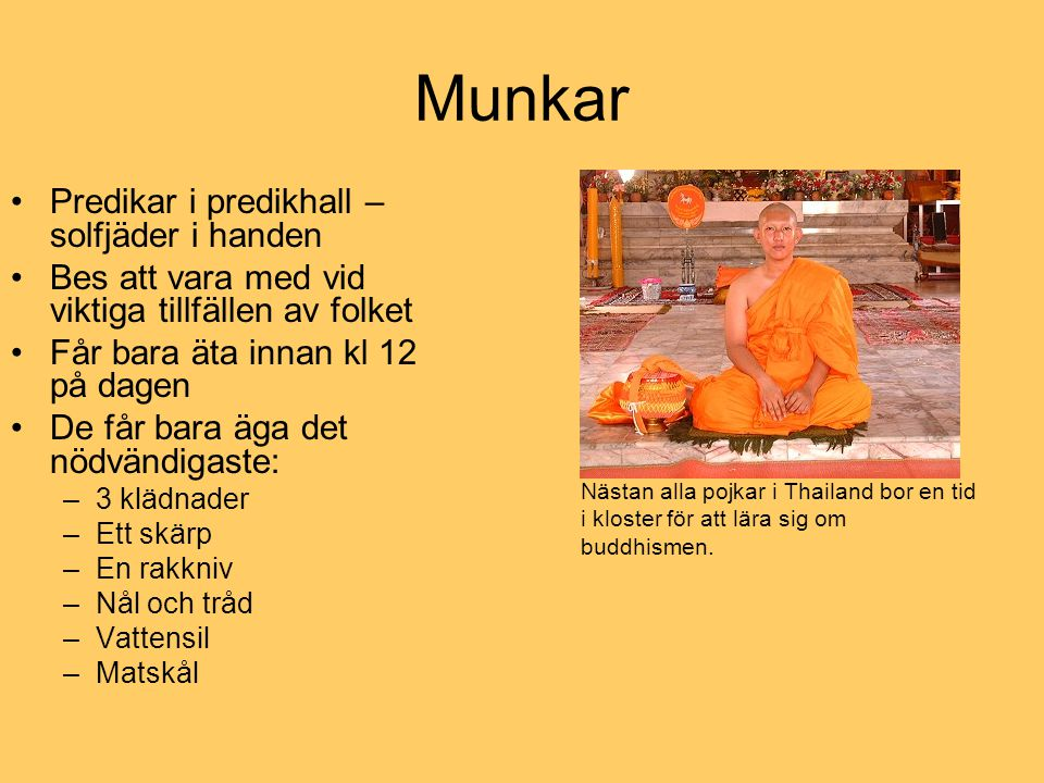 Munkar Predikar i predikhall – solfjäder i handen