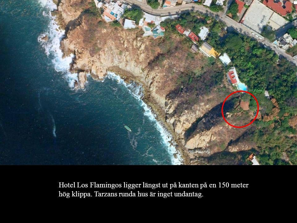 Hotel Los Flamingos ligger längst ut på kanten på en 150 meter hög klippa.