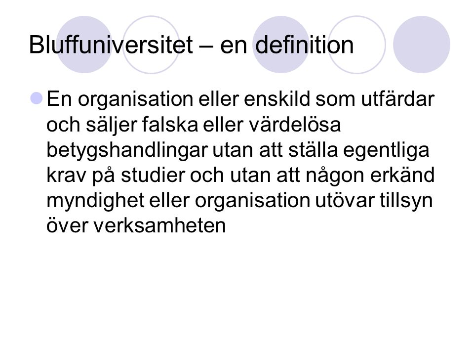 Bluffuniversitet – en definition