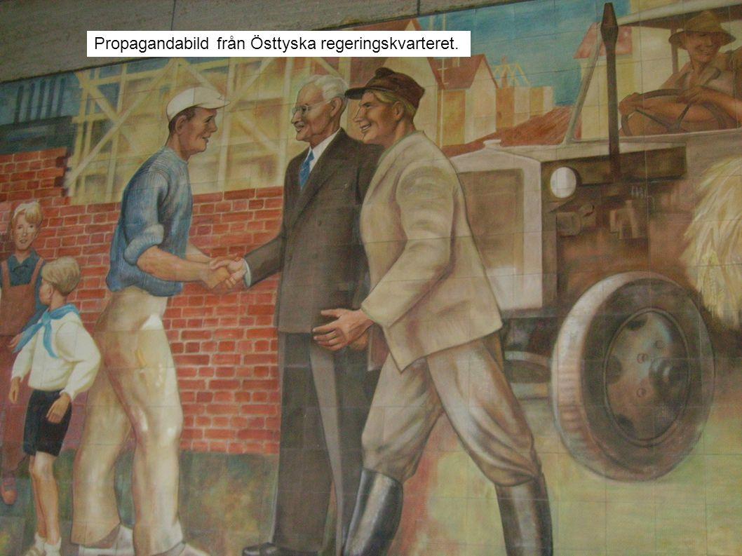 Propagandabild från Östtyska regeringskvarteret.