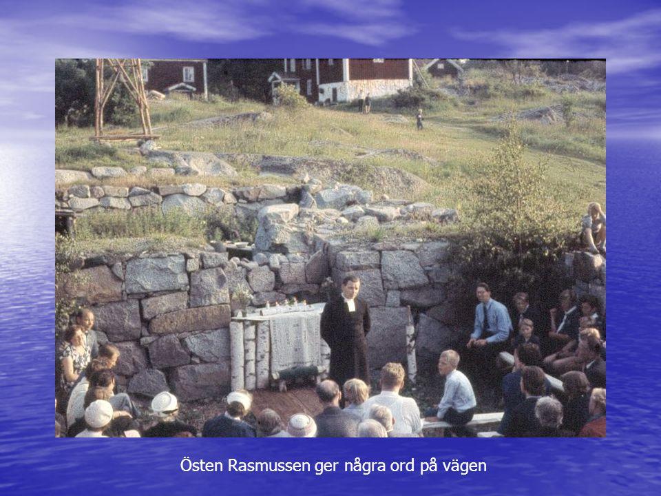 Östen Rasmussen ger några ord på vägen
