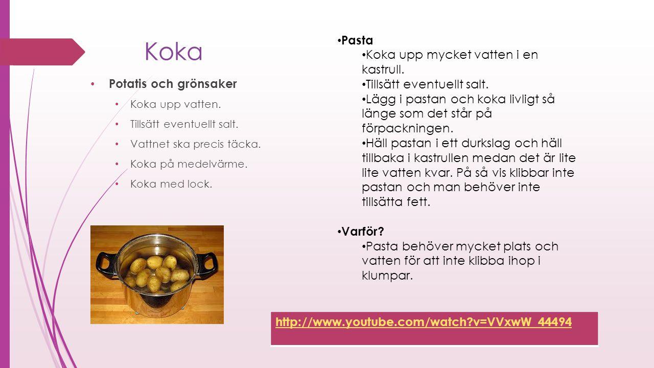 Koka Pasta Koka upp mycket vatten i en kastrull.