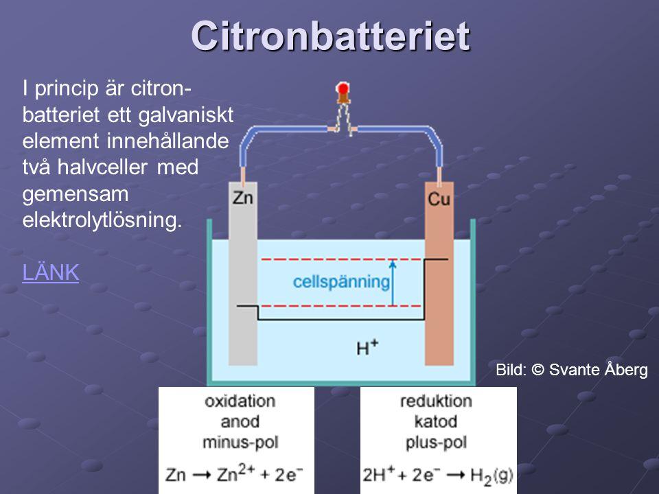 Citronbatteriet I princip är citron- batteriet ett galvaniskt