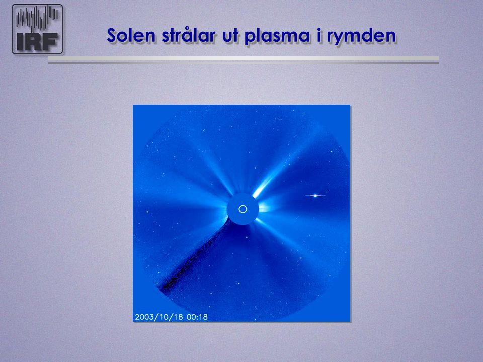 Solen strålar ut plasma i rymden