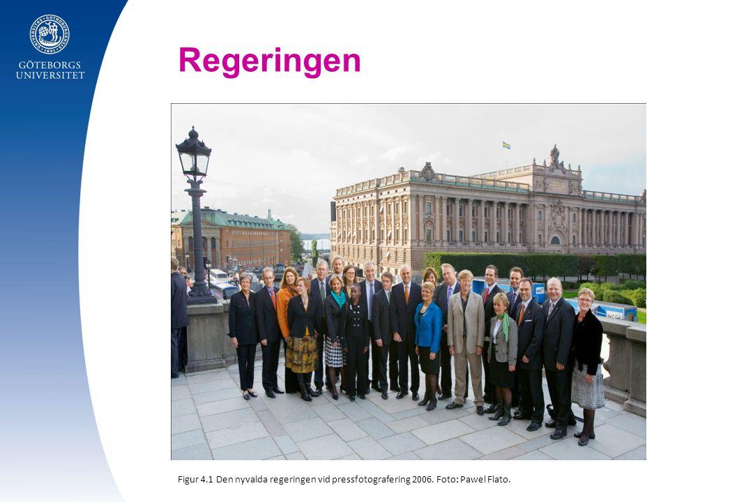 Regeringen Figur 4.1 Den nyvalda regeringen vid pressfotografering 2006. Foto: Pawel Flato.