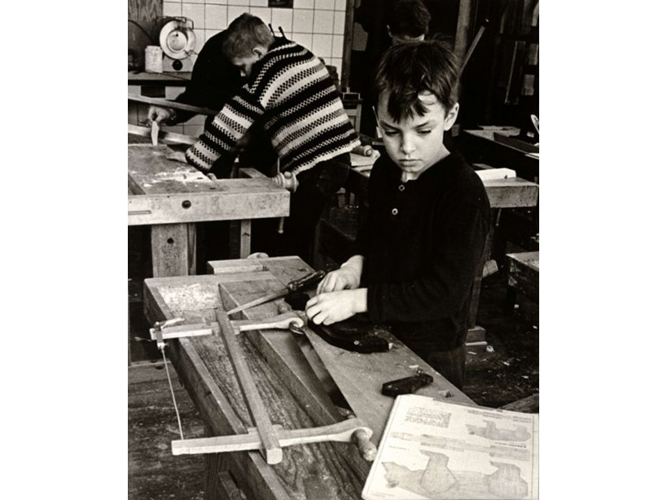 Slöjdens fader var Otto Salomon och träslöjd i skolan har funnits sedan 1878.