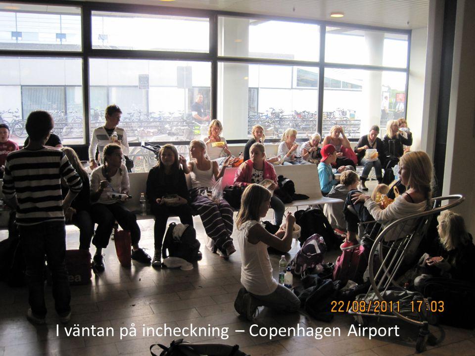 I väntan på incheckning – Copenhagen Airport