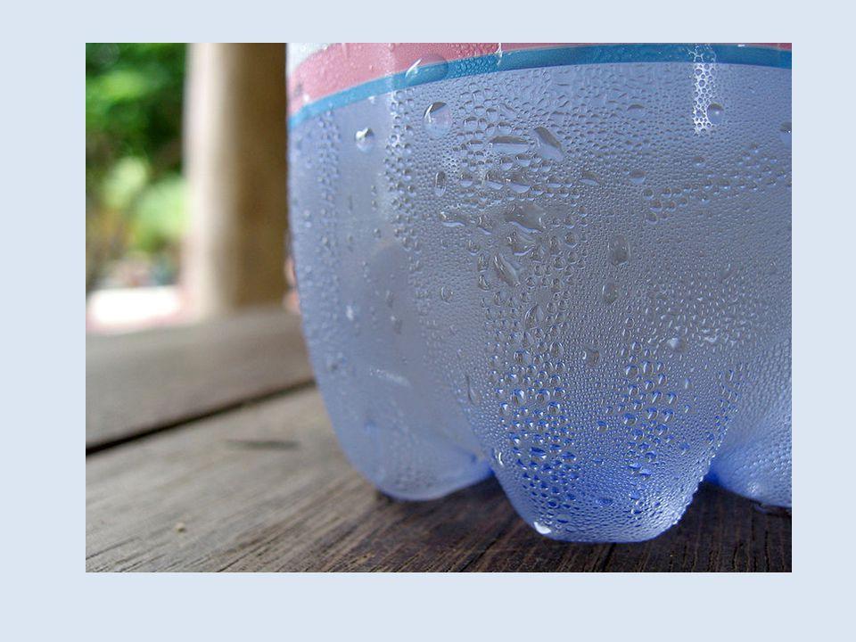 Vad är detta för fenomen Varför bildas det vatten på flaskans yta