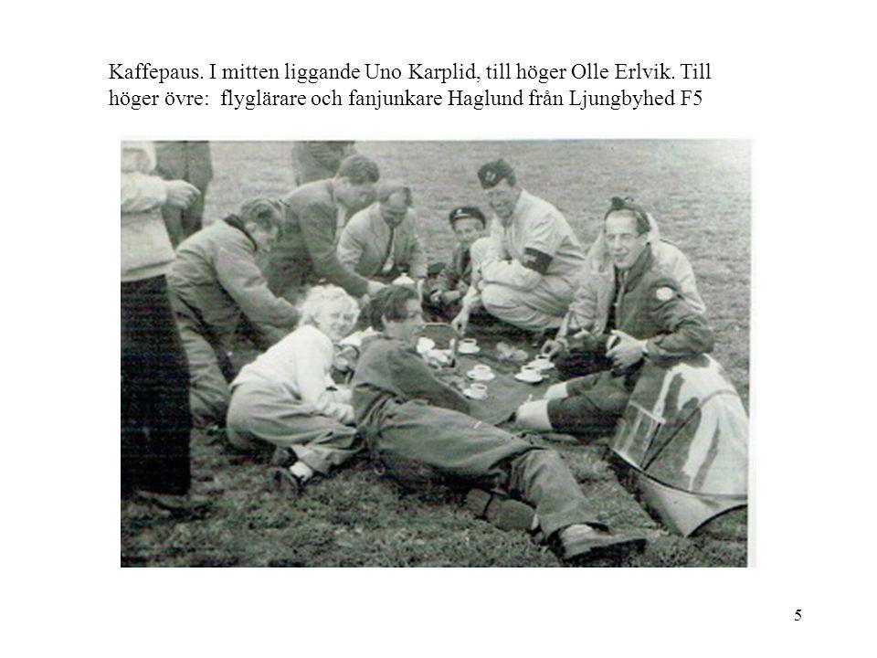 Kaffepaus. I mitten liggande Uno Karplid, till höger Olle Erlvik