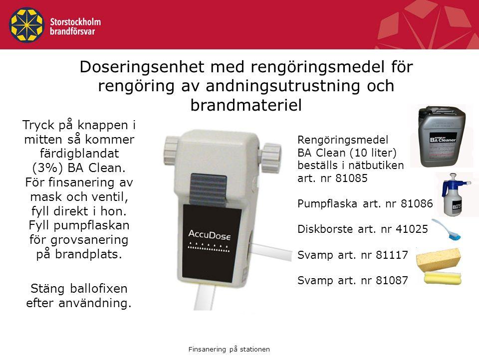 Doseringsenhet med rengöringsmedel för rengöring av andningsutrustning och brandmateriel