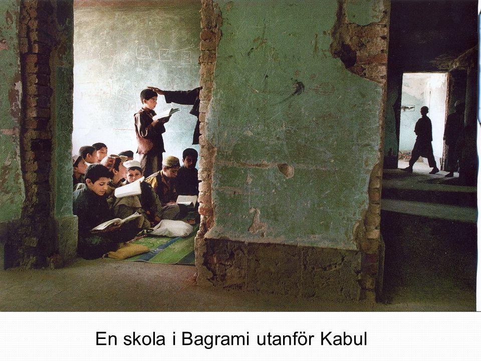 En skola i Bagrami utanför Kabul